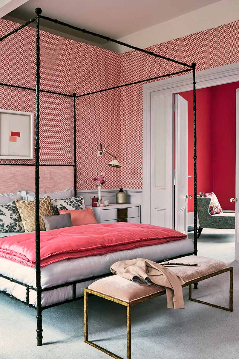 Decorating with lipstick pinks