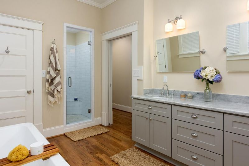 anna-braund_grant-park-second-story-addition-master-bathroom-jpg-rend-hgtvcom-1280-853
