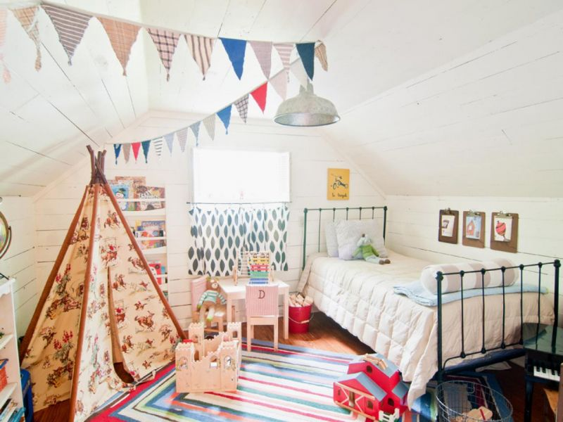 original_holly-mathis-white-kids-room-tent_s4x3-jpg-rend-hgtvcom-1280-960