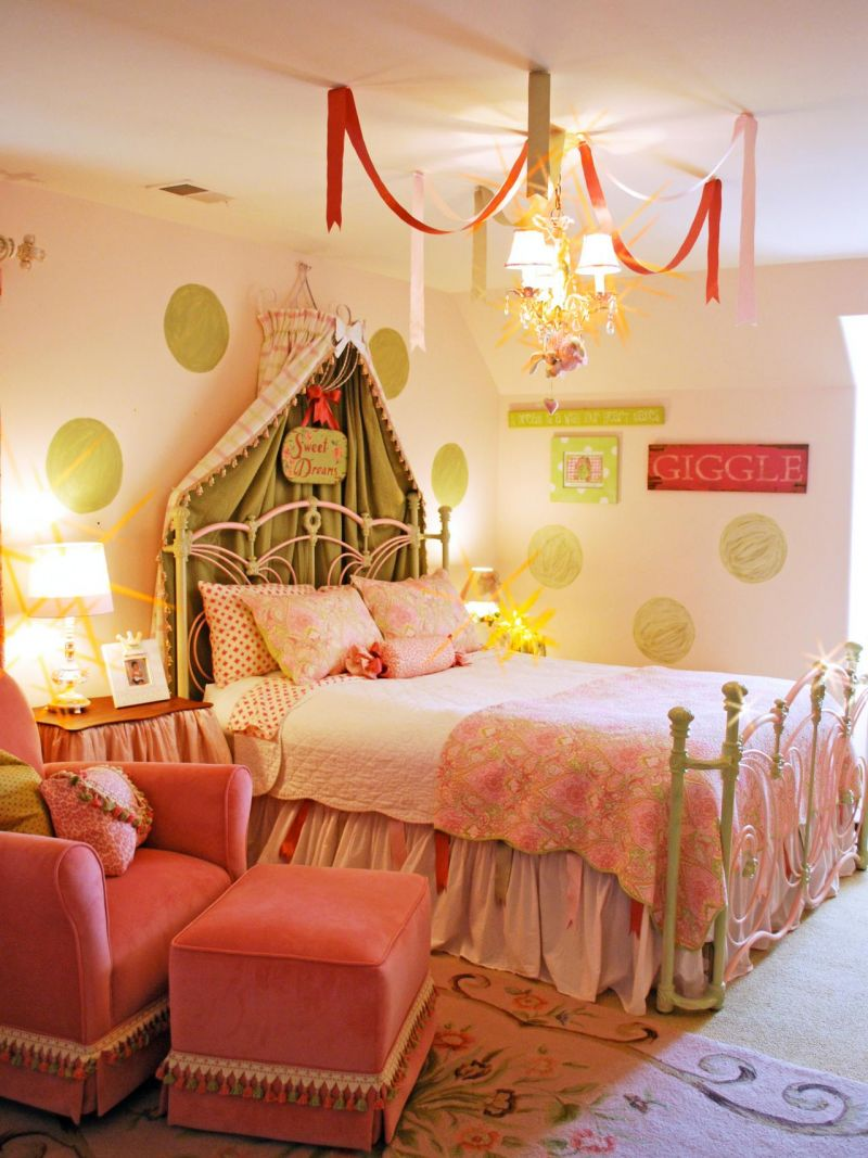 rms_sljdesign-princess-girls-room_s3x4-jpg-rend-hgtvcom-1280-1707