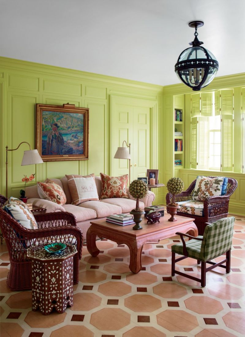 traditional-living-room-mario-buatta-southampton-new-york-201307-2_1000