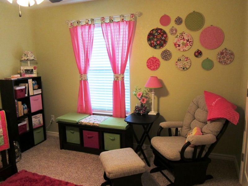 pink-curtains-for-nursery